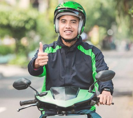 Tips Aman Naik Ojek Selama New Normal